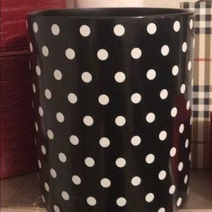 Trash can/ flower pot/ cosmetic storage